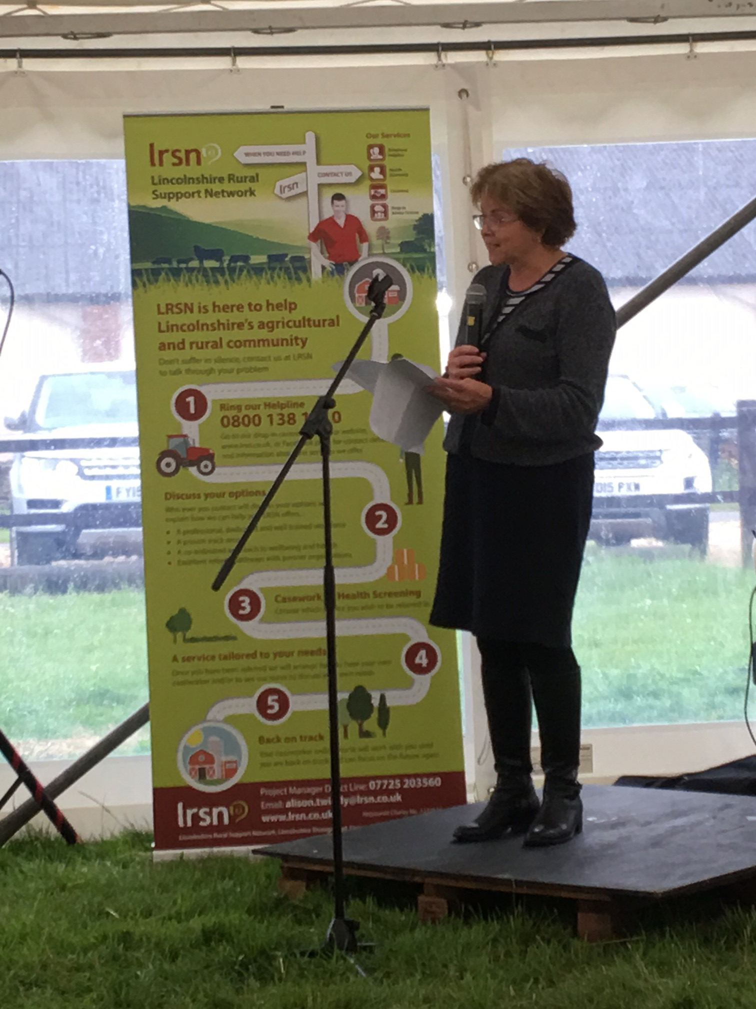 LRSN's Chairman, Meryl Ward, thanking the volunteers for their dedication to LRSN